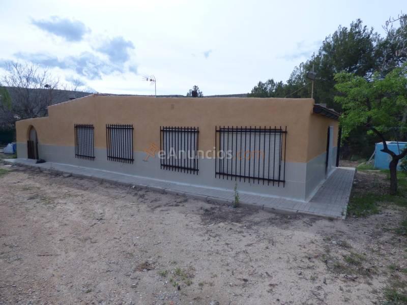 Casa de campo con 1100 m2 de parcela muy 1523019 - Casas en elda ...