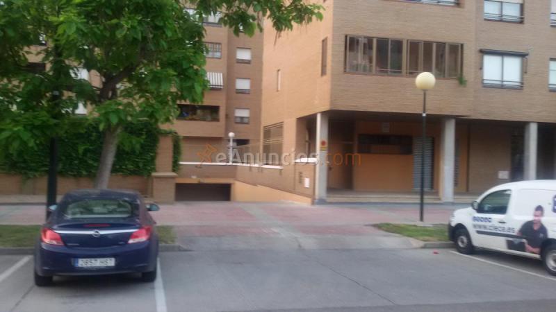 Alquilo amplia plaza de garaje 1528146 for Anuncio alquiler plaza garaje