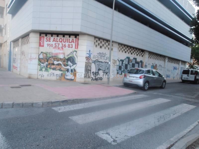 Local comercial en alquiler en el ejido 1561397 - Centro comercial el ejido ...